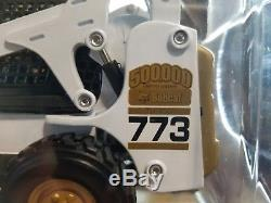 Bobcat 500K 773 Compact Skid Steer Loader Diecast 125 Scale Model NIB