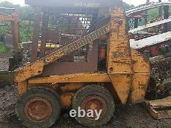 Case 1818 skidsteer bobcat digger dismantling! Loader frame only