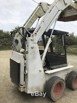 Case 1845 Skid Steer Bob Cat Loading Shovel Loader Tractor