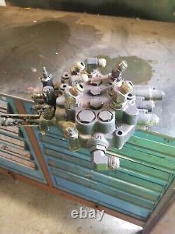 Case 465 Hydraulic Control Valve Skid Steer Loader 445 450 440 410 420 430 435