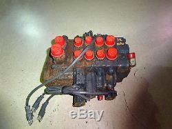 Komatsu SK1020 Hydraulic Control Valve Skid Steer Loader SK-1020 4DJ30169