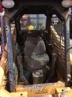 Skid steer loader. Mustang Skidsteer 2054