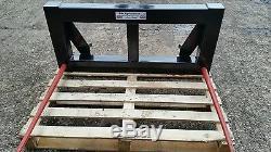 Tractor loader bale spike. Euro brackets 2 Spike big Bale transporter skid steer