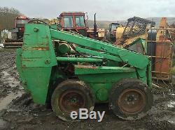 Case 1840 Chargeuse À Direction À Glissement Digger Bobcat Démontage! Loader Lift Ram Seulement