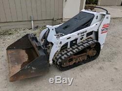 Chargeuse Compacte Sur Chenilles Bobcat Mt55 2007