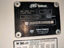 Chargeuse Compacte Sur Chenilles Bobcat T250 2005: 2790 Heures