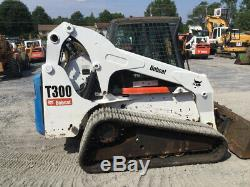 Chargeuse Compacte Sur Chenilles Bobcat T300 Compact 2010 Avec Manette De Commande De Cabine 2100 Heures