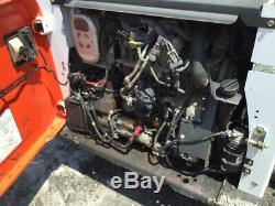 Chargeuse Compacte Sur Chenilles Compacte Bobcat T750 2013 Avec Diesel Kubota