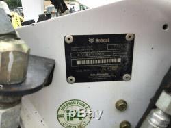Chargeuse Compacte Sur Chenilles Compacte Bobcat T770 2014 Avec Cabine Seulement De 1900 Heures