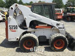 Chargeuse Compacte Sur Pneus Bobcat S250 2005 Avec Cabine Seulement De 1500 Heures Un Propriétaire À Venir
