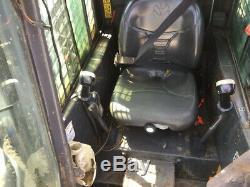 Chargeuse Compacte Sur Pneus New Holland L180, 2006, Avec Cabine Et Chauffage Uniquement, 2800 Heures