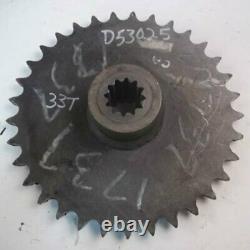 Utilisé Axle Drive Sprocket Rear Case 1530b 1500 1526 1530 1737 1700 1537 1740